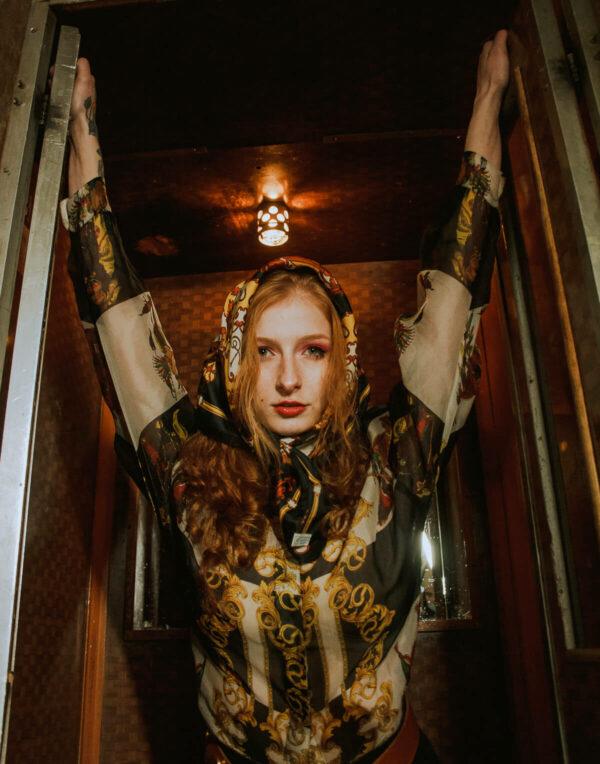Versace vintage silk shirt Wiktoria elevator